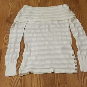 Women's Guess off the shoulder sweater - Small